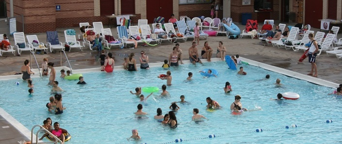 Image of swimmers at Monona Outdoor Pool